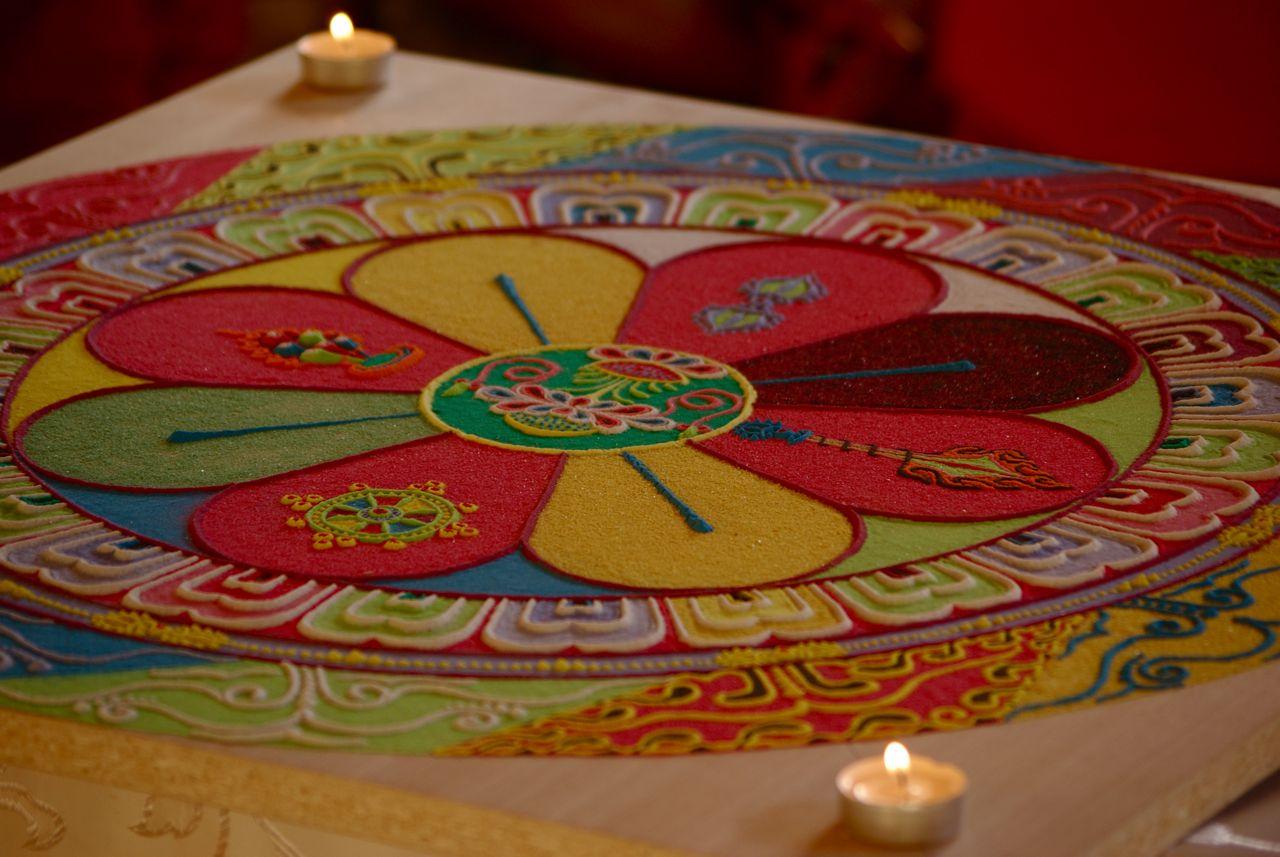 Mandala costruito dai monaci tibetani